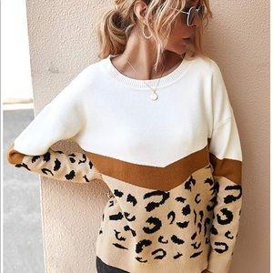 Sweaters - 🐆🤍 SOFTest & Cutest Leopard Colorblock Sweater